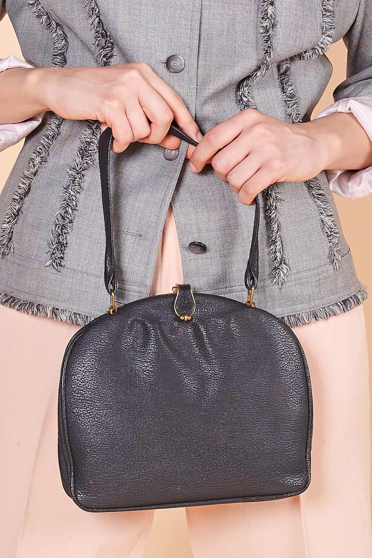 50ler siyah kaliteli deri İsviçre mlı vintage çanta