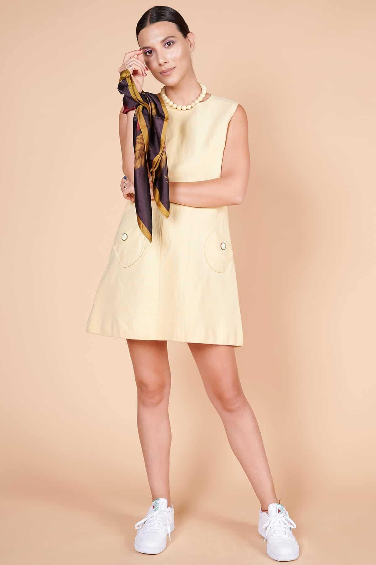60lar minimal açık saman sarısı mini elbise