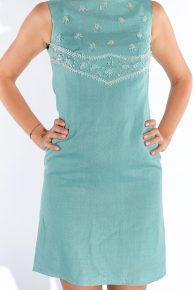 60lar mavi keten göğsü işlemeli dizüstü elbise