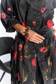 80ler Vatkalı Üst, abartılı vatkalı siyah ince organze kumaş önden düğmeli üst
