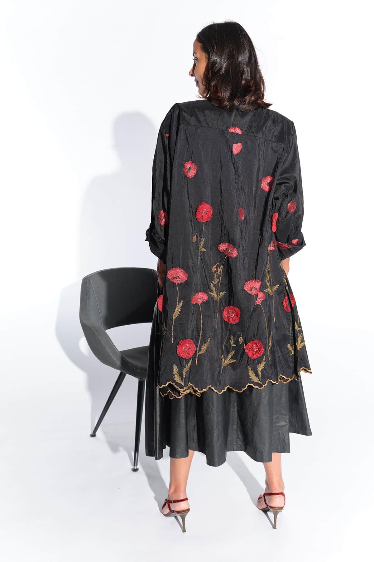 80ler abartılı vatkalı siyah ince organze kumaş üzeri gelincik çiçekli bluz