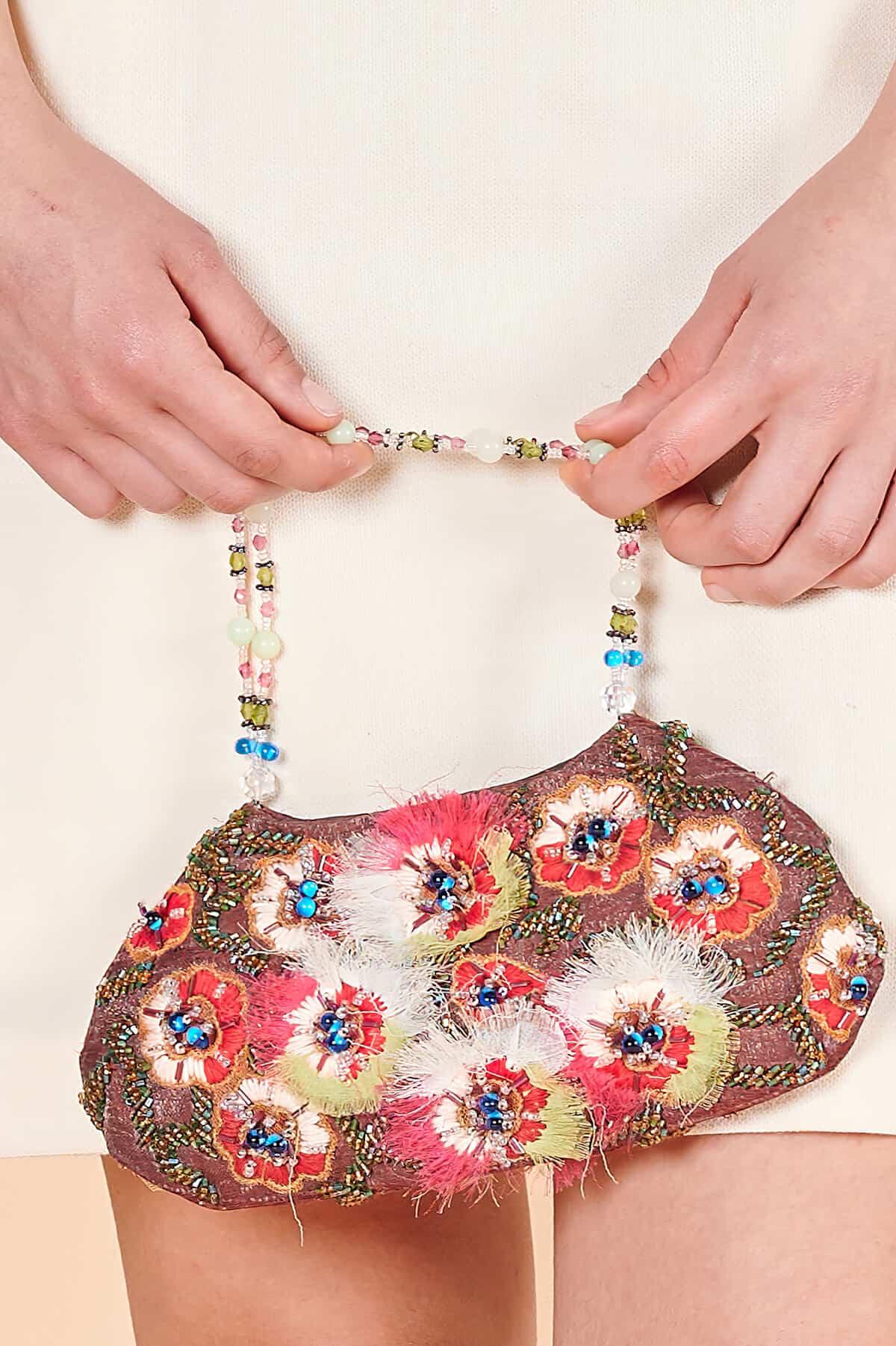 Boncuk saplı 90lar küçük el çantası