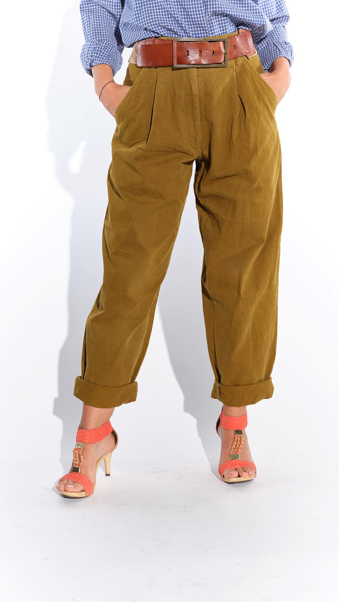 Retro pantolon, pantolon modası, 90lar hardal rengi bol kesim yandan cepli pamuklu pantolon