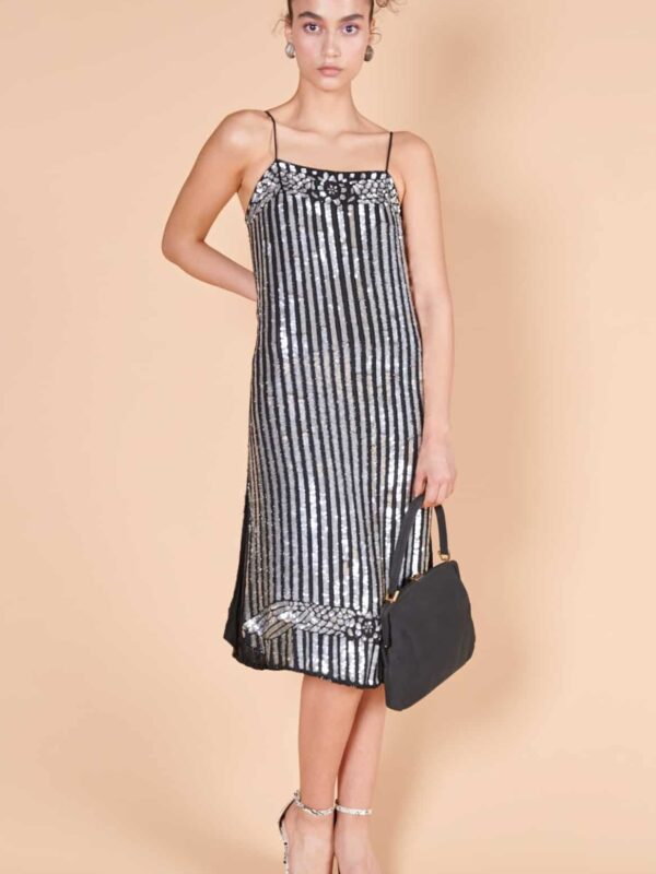 30ları andıran Fransız etiketli, payetli, gece elbisesi.