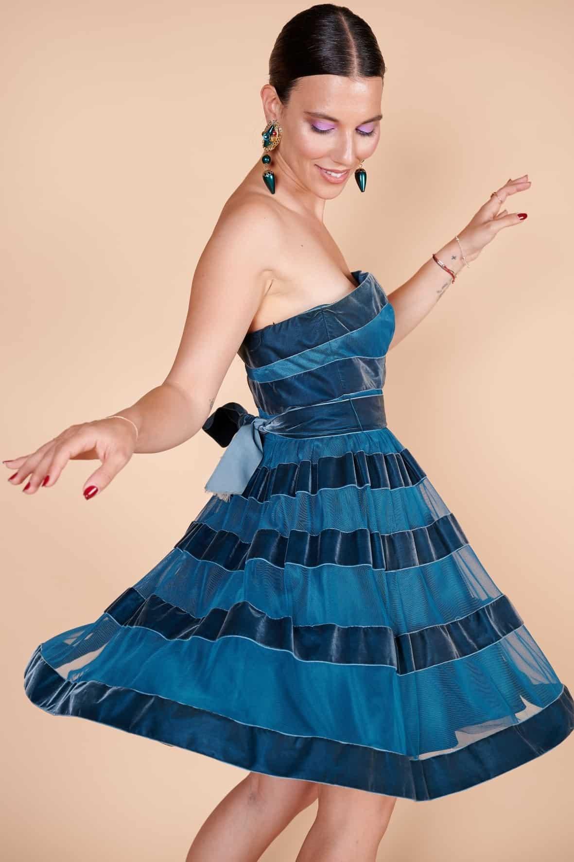 2000'ler Betsey Johnson gece mavisi straplez kordeleli mini elbise