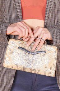 60lar Yılan Derisi Baskılı Clutch Çanta