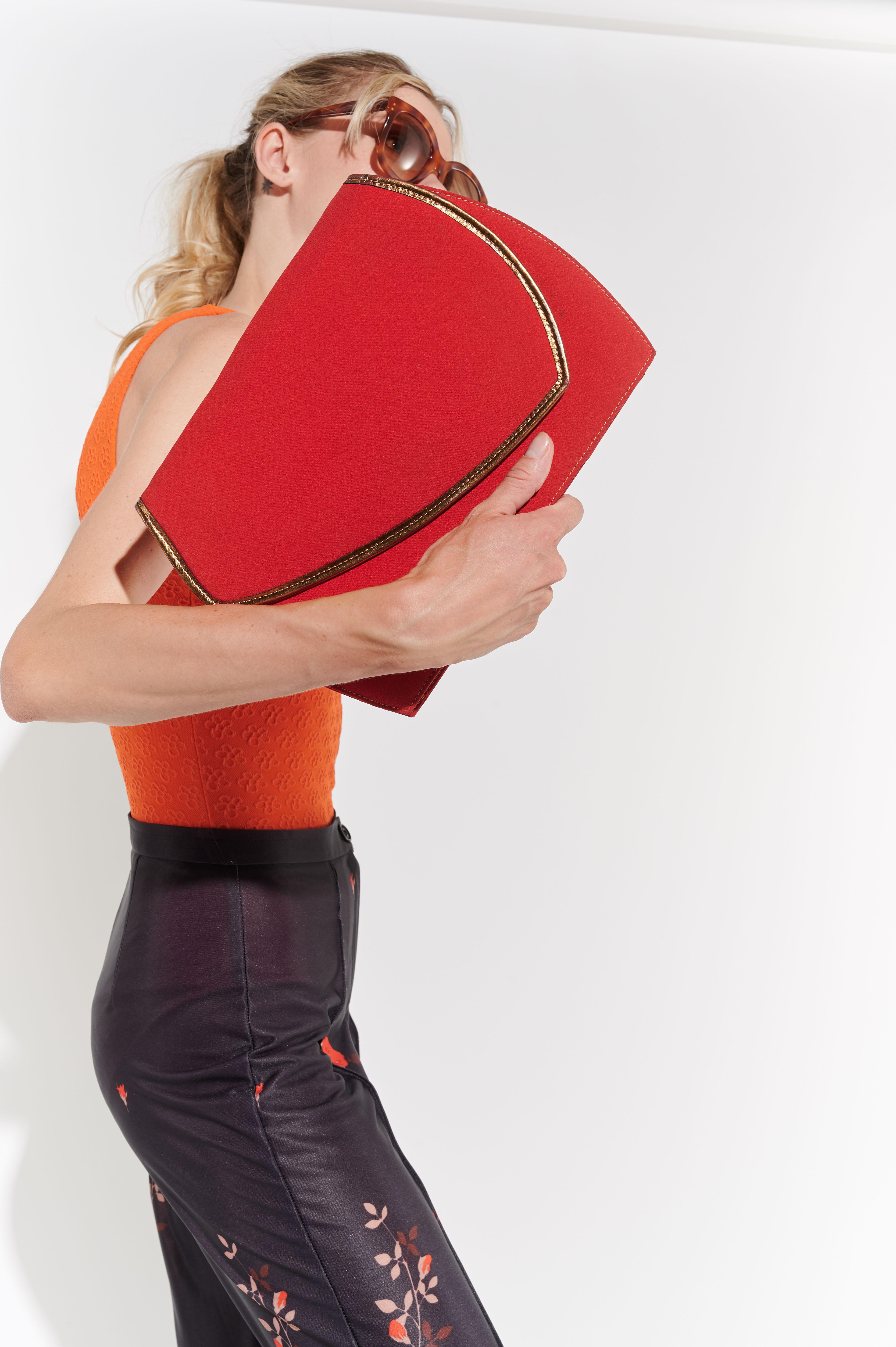 Kırmızı 2000'ler çantası