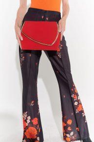 Kırmızı Kumaş Çanta, 2000'ler dore deri ile biyelenen çantası