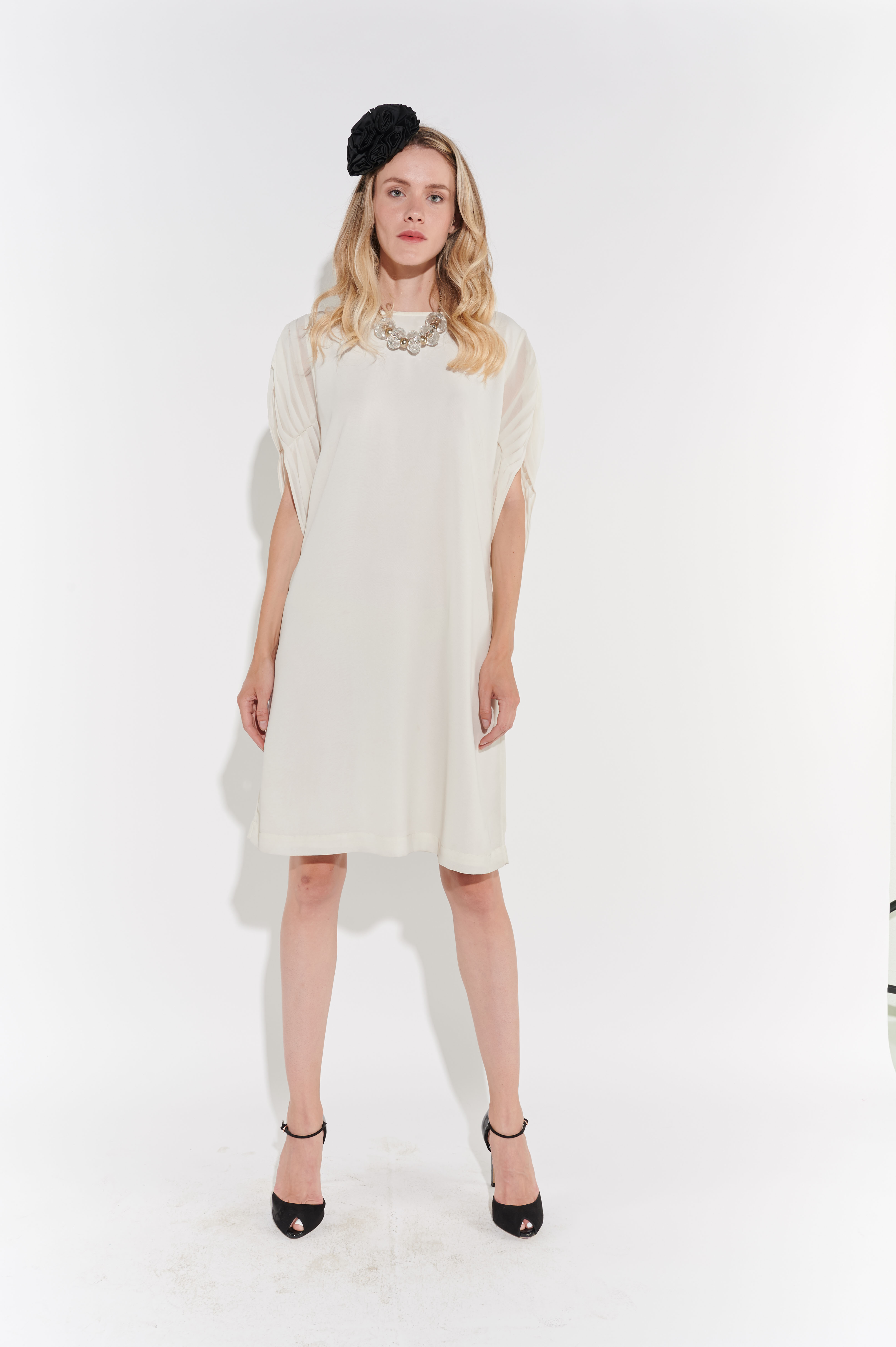 2000ler Beyaz Şifon Minimalist Elbise
