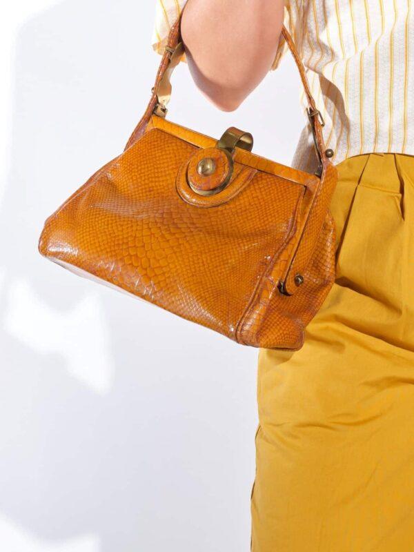 50'ler taba rengi krokodil baskılı vintage çanta