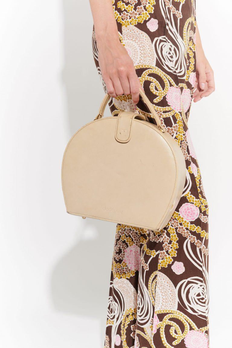 60lar minimalist açık bej deri el çantası
