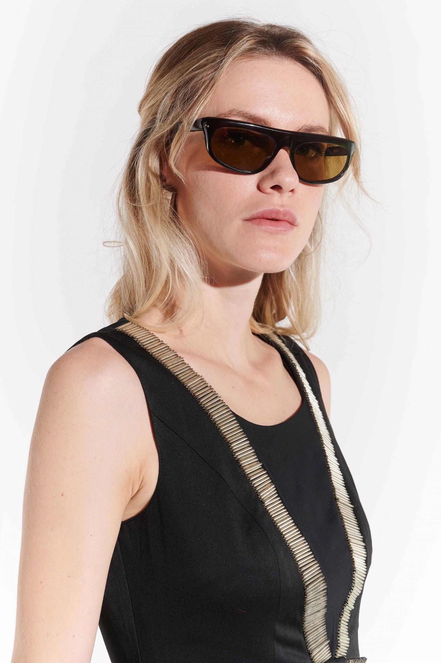 90lar sert plastik oval çerçeveli sportif gözlük