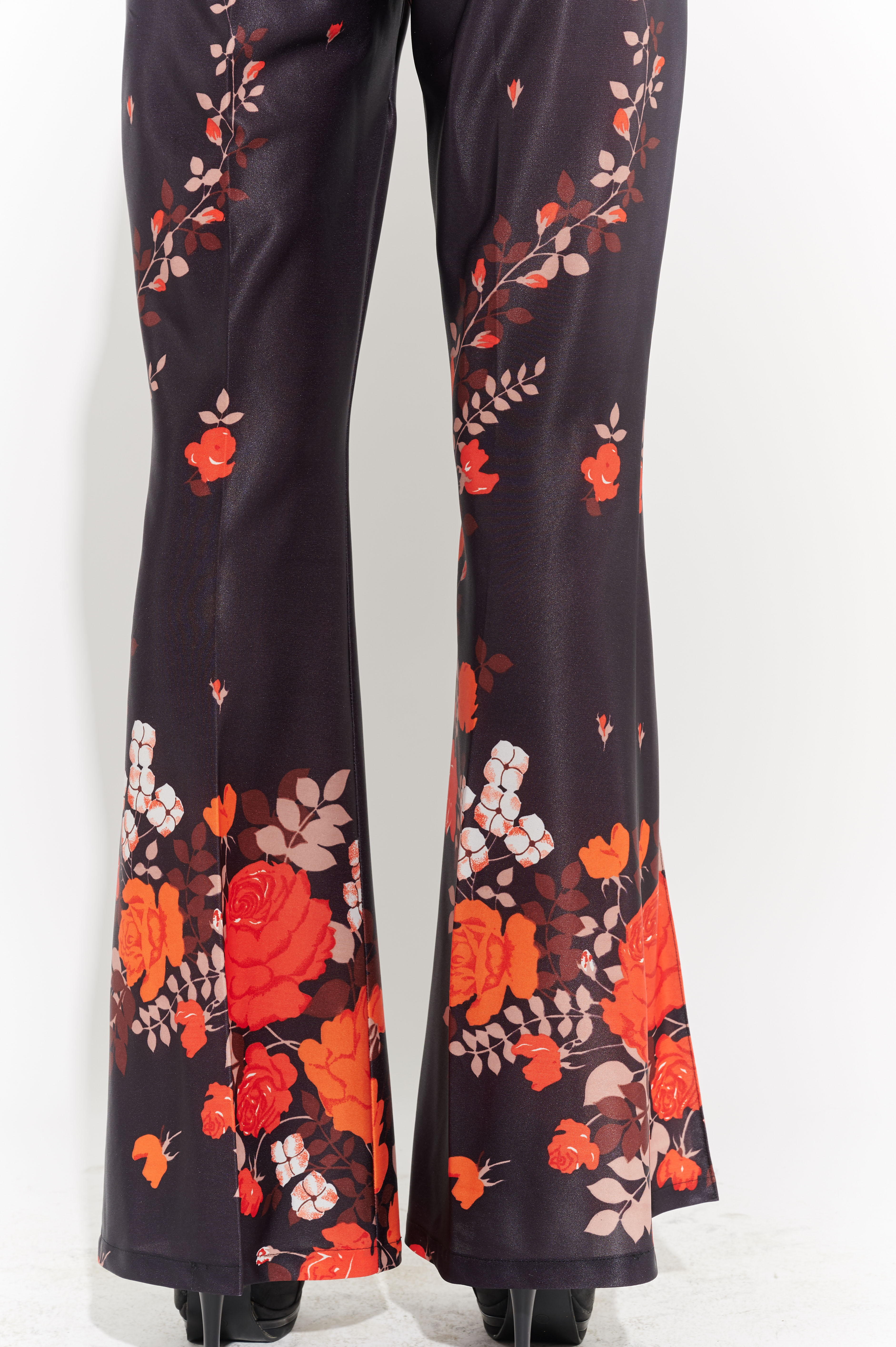 Çiçek motifli pantolon